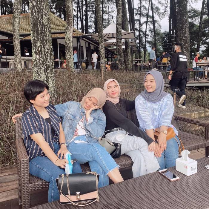 cafe pasir angin puncak